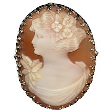 Estate Edwardian 10k yellow gold carved cameo brooch of a lovely woman