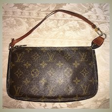 Vintage LOUIS VUITTON Pochette Purse, Bag, LV Monogram Logo w Leather Strap, c.1999, Made in France