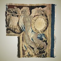 """Antique c.1700s French Gobelin Tapestry Fragment, Figural, Putti, 15"""" x 14"""" Corner Salvaged Panel"""