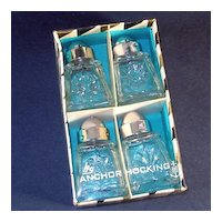 Boxed Set 4 Anchor Hocking Early American Prescut Individual Salt Pepper Shakers