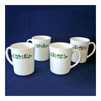 4 Corelle Corning Ware Winter Holly Christmas Coffee Mugs