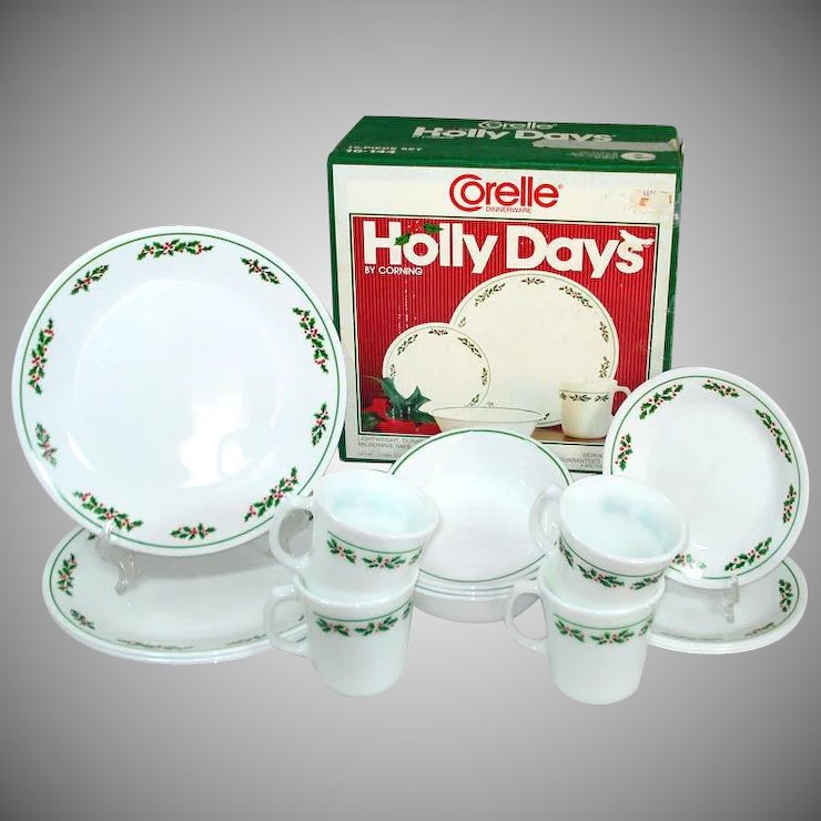 Corelle Holly Days Christmas 16 Piece Dinnerware Set in Original Box ...