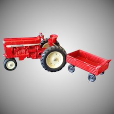 Ertl International Harvester Farmall Toy Tractor With Wagon 1/16 scale