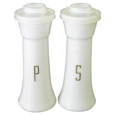 Tupperware Tall Hourglass Salt Pepper Shakers