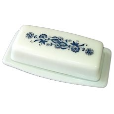 Pyrex Corelle Old Town Blue Onion Covered Butter Dish