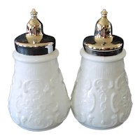 Fenton Wild Rose With Bowknot Salt Pepper Shakers