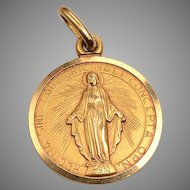 Vintage 18k Gold Pendant