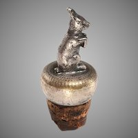 Sitting Rabbit Continental Bottle Stopper