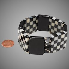Vintage Lucite, Bakelite Stretchy Bracelet