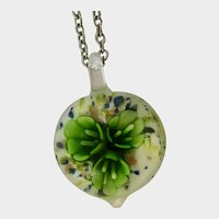 Art Glass Pendant Flowers on Silver-Tone Chain necklace 23-1/4""
