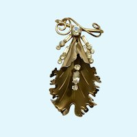 Stunning Leaf Gold-Tone Diamond Rhinestone Brooch Pin