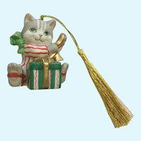 Bronson Collectibles Cat Christmas Ornament Curious Chris Figurine