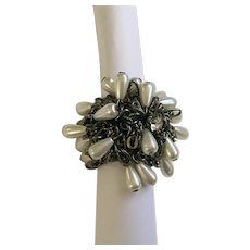 Large Silver-Tone Faux Diamond Faux Pearl Stretch Band Ring Size 9