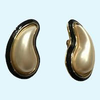 Paisley Faux Pearl Black and Gold Clip-On Earrings