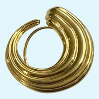 Gold-Tone Loop Swirl Scarf Clip Monet