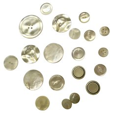 20 Vintage White Pearly Acrylic Buttons