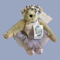 Muffy Vanderbear Paw De Deux Stuffed Teddy Bear Animal 1990