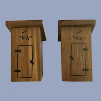 Ma & Pa Wood Outhouse Salt & Pepper Shakers Yellowstone Souvenir