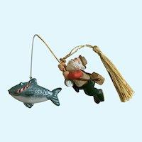 Hallmark Reel Fun Santa Fishing Christmas Ornament 1999
