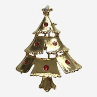 Gold-tone Christmas Tree with Red Faux Rhinestone Ornaments Pin Brooch