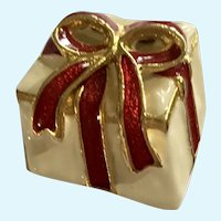 Christmas Present Brooch with Ribbon Enamel Pin