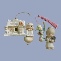 Vintage Precious Moments Christmas Decorations Figurines
