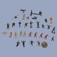 Tiny Miniature Plastic War Solider Figurines