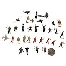 Tiny Miniature Plastic War Solider Figurines