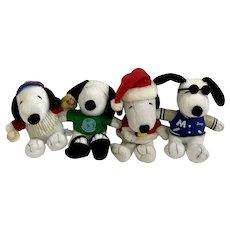 MetLife and Santa Snoopy Plush Stuffed Animal Group of 4