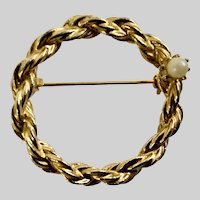 Gold-Tone Circle with Single Faux Pearl Brooch Pin