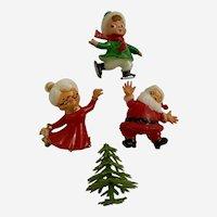 SSCO Dollhouse Miniature Santa and Mrs. Claus Elf Plastic Figures