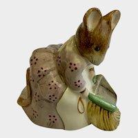 Royal Albert Hunca Munca Sweeping Mouse Beatrix Potter Figurine 1989