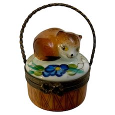 Limoges Peint Main Hand Painted Trinket Box Cat in a Basket