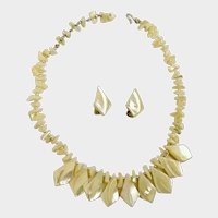 Mother Of Pearl Shell Necklace and Matching Earrings Japan