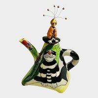 Eccentric Swak Kooky Bird & Cat Teapot