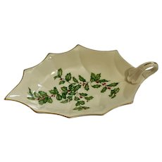 Lenox Christmas Holly Berries Leaf Shaped Nut or Candy Dish Gold Rim