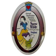 2004 Disney Annual Pass Preview Snow White Button Disneyland