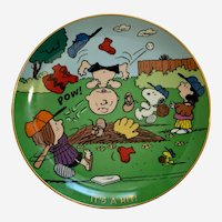Peanuts It's a Hit, Charlie Brown Danbury Mint Peanuts Magical Moments Plate