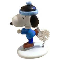 Rare Discontinued Winter Wonderland Ice Skating, Ultimate Snoopy Hand Painted Danbury Mint Miniature Figurine
