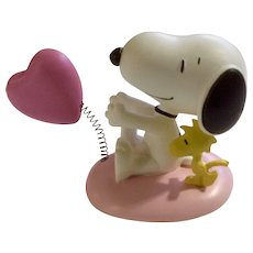Rare Discontinued Valentine Heart Hugs, Ultimate Snoopy and Woodstock Hand Painted Danbury Mint Miniature Figurine