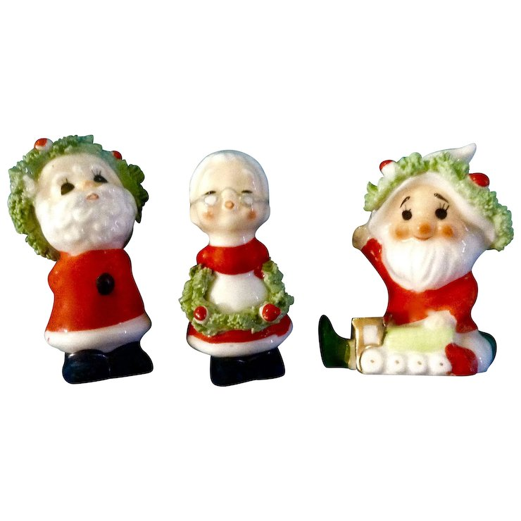 vintage napco bone china miniature christmas kissing santa mrs claus and another santa spaghetti - Miniature Christmas Figurines