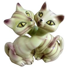 Vintage Long Neck Siamese Cat Salt And Pepper Shaker Ceramic Figurines with Yellow Eyes Sonsco Japan