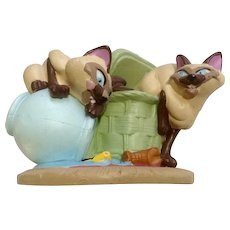 Discontinued Disney Store Lil Classics Lady & the Tramp's Si and Am Cats PVC Figurine