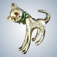 Vintage Cat Pin Brooch Bobble Head Gold Tone Jewelry