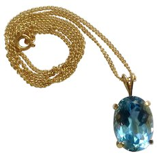 """Short Gold Tone Necklace 17-1/2""""  with Crystal Glass Aquamarine Pendant Costume Jewelry"""