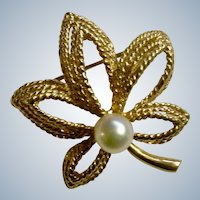 Vintage Leaf Pin Scalle 14K Gold and Pearl