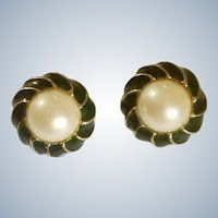 Donald Stannard, Designer Clip-on Earrings Vintage 1970s Emerald Green, Faux Pearl and Gold Tone Costume Jewelry 1-1/8""