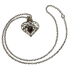 """Vintage Silver Tone Heart Pendant with Purple Cats Eye Stone Necklace Costume Jewelry 23-3/4"""""""