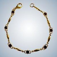 Vintage Gorgeous Purple Amethyst Rhinestones in Gold Tone Bracelet