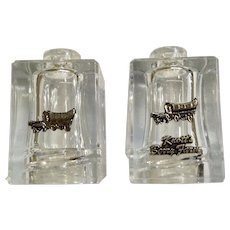 Vintage Knott's Berry Farm Salt & Pepper Shakers with Tray Souvenir Made in Hong Kong